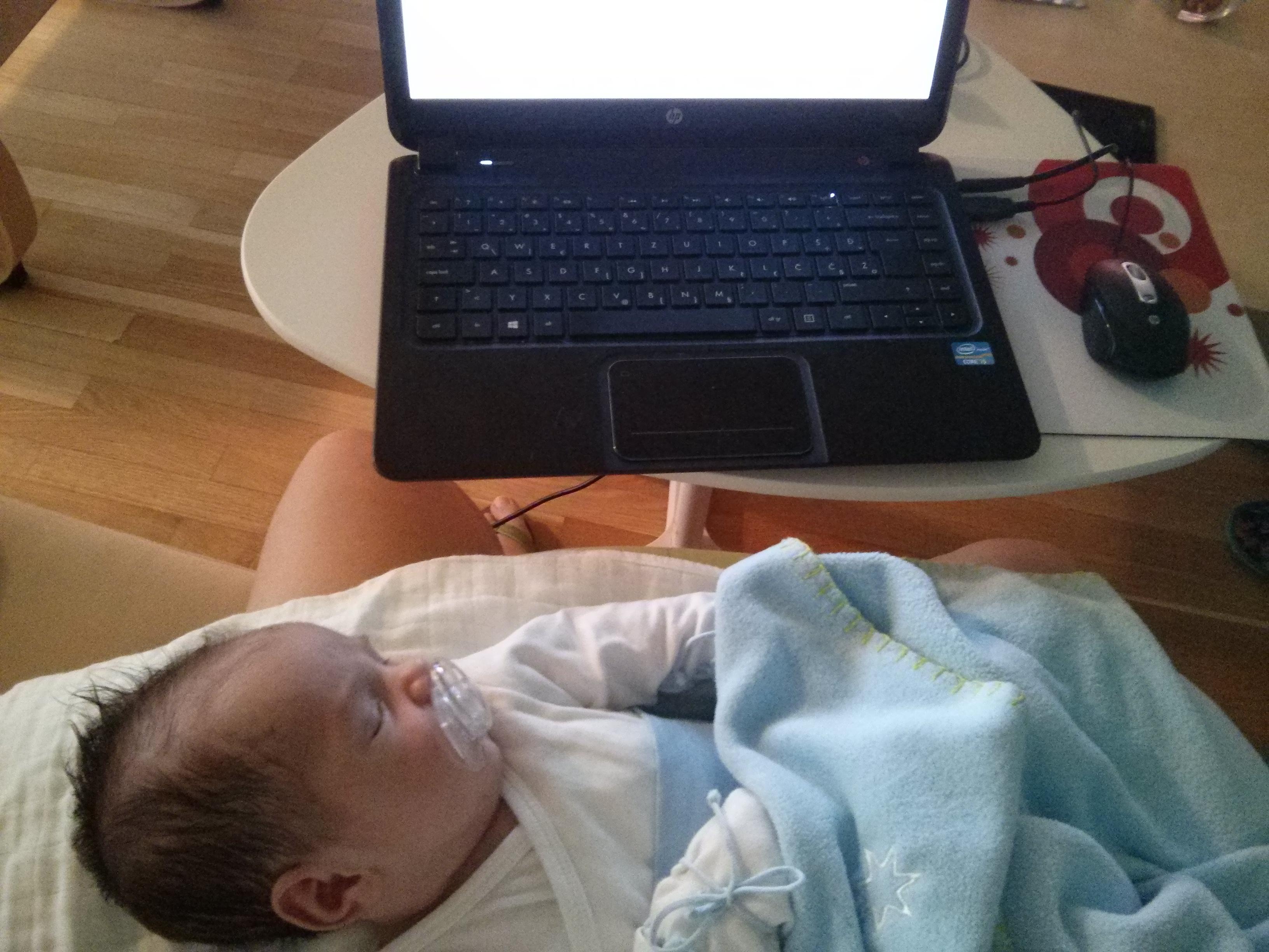 Work at home mom: Kako zaista izgleda biti mama koja radi (k)od kuće?